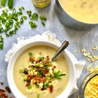 Loaded Green Chili Cauliflower Soup